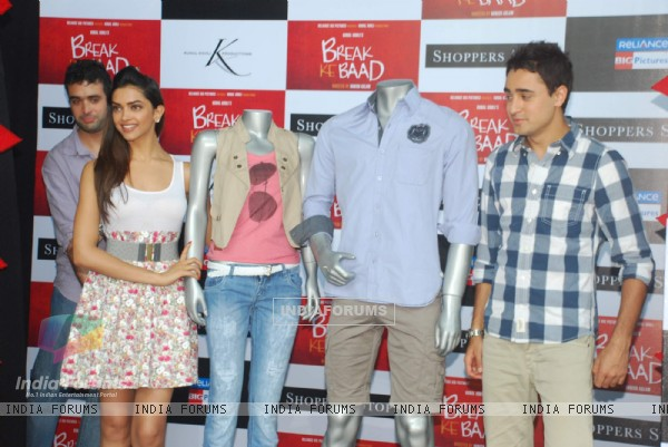 Imran Khan and Deepika Padukone at Shoppers Stop Break ke Baad Merchandise launch at PVR