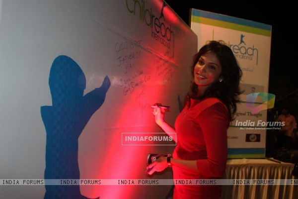 Isha Koppikar at Child Reach NGO Event
