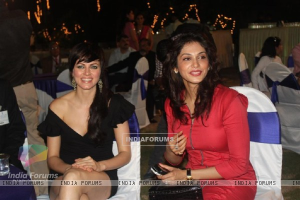 Isha Koppikar and Yana Gupta at Child Reach NGO Event
