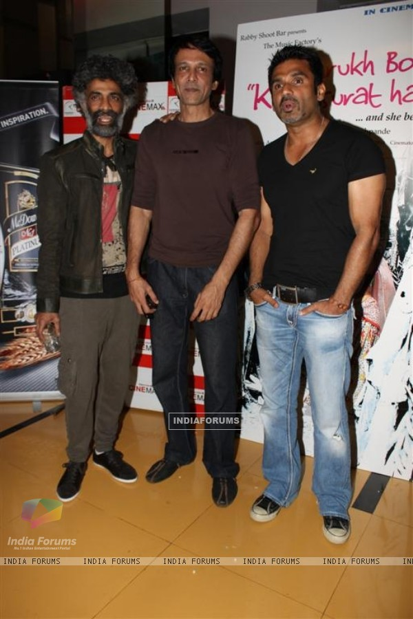 Makrand, Sunil Shetty and Kay Kay at Shahrukh Bola Khoobsurat Hai Tu film premiere at Cinemax