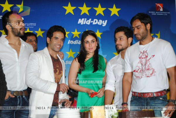 Cast and Crew at Golmaal 3 success bash at Hyatt Regency (108581)