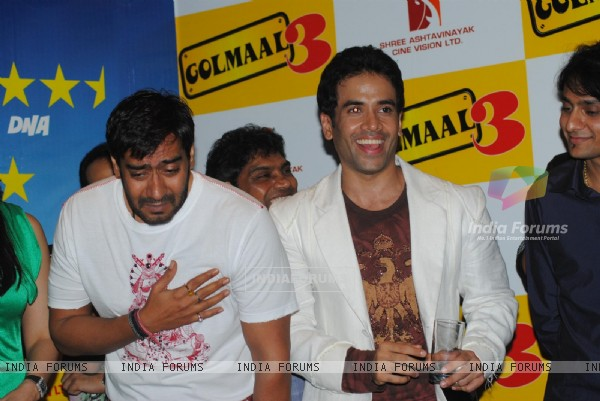 Tusshar Kapoor and Ajay Devgan at Golmaal 3 success bash, Hyatt Regency (108588)