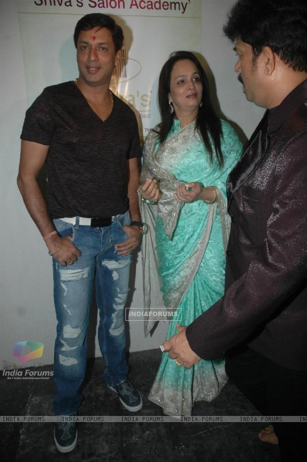 Madhur Bhandarkar and Smita Thakeray at inaugration of Shiva's Salon Academy