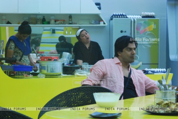 Still from tv show Bigg Boss 4