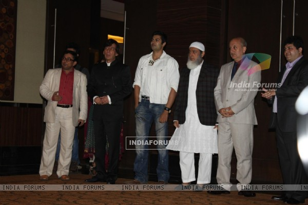 Anupam Kher, Gulshan Grover and Arya Babbar at the launch of the film 'Kuch Log' based on 26/11 attacks