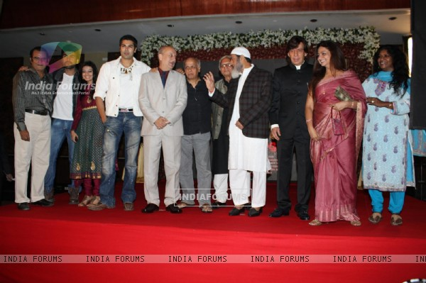 Mahesh Bhatt, Anupam Kher, Gulshan Grover and Arya Babbar at the launch of the film 'Kuch Log' based on 26/11 attacks