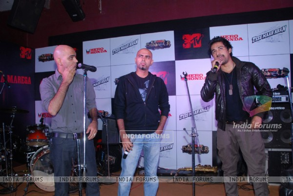 Rannvijay Singh and Raghu Ram at MTV Roadies promotional event, Enigma