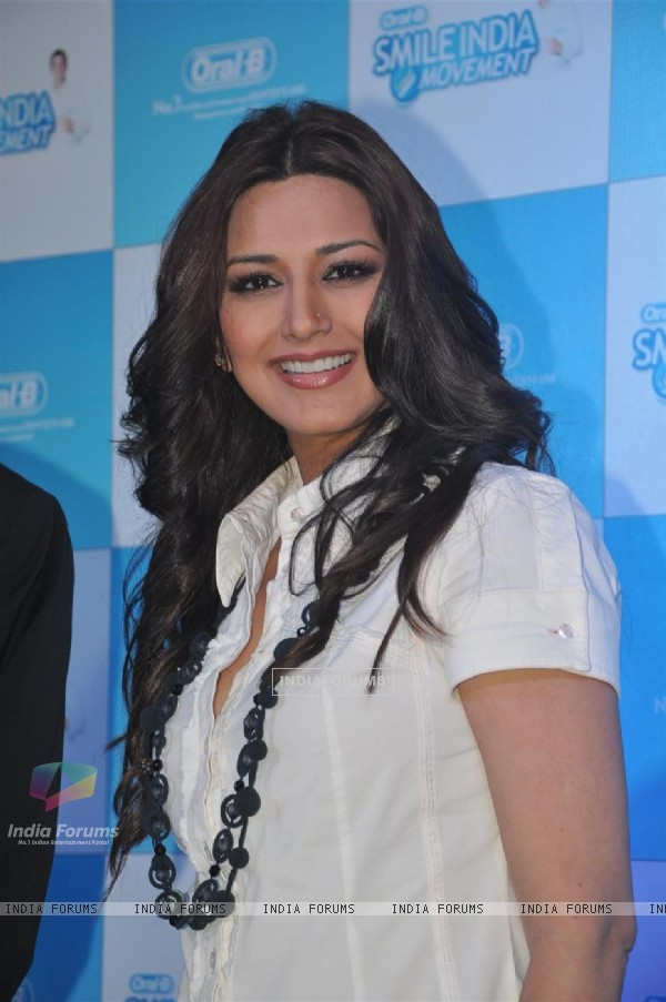 Sonali Bendra support the 'Oral - B Smile India Campaign' at Hotel Ambassador in Churchgate, Mumbai