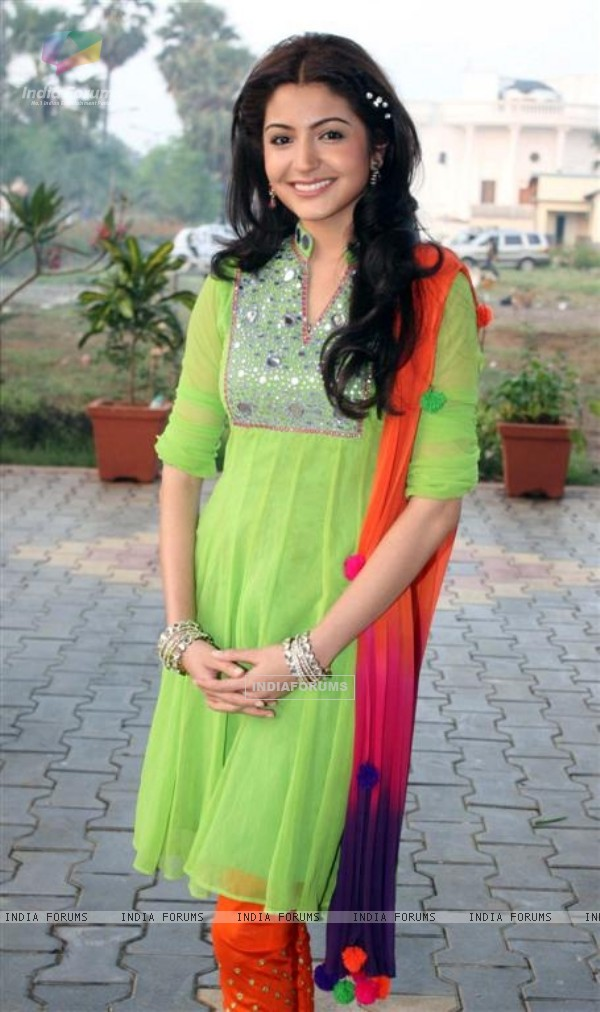 Anushka Sharma on the sets of Saas Bina Sasural