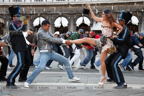 Akshay pulling leg of kareena
