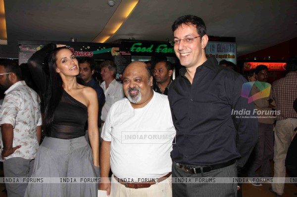 Neha Dhupia,Saurabh Shukla and Rajat Kapoor at Premier Of Film Phas Gaye Re Obama at Cinemax Versova