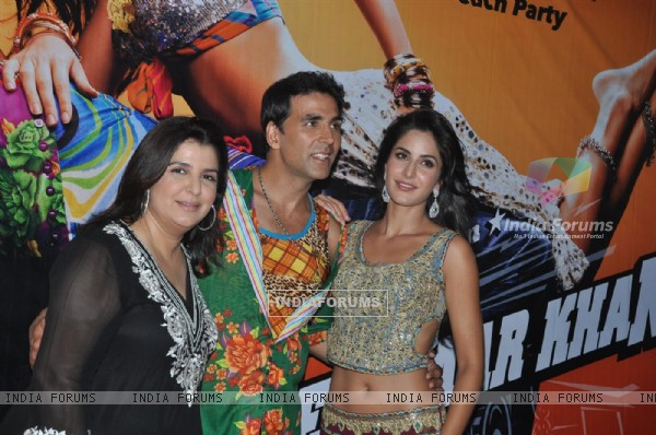 "Farah Khan with Akshay Kumar and Katrina Kaif at Film ""TEES MAAR KHAN'' promotion Beach Party"