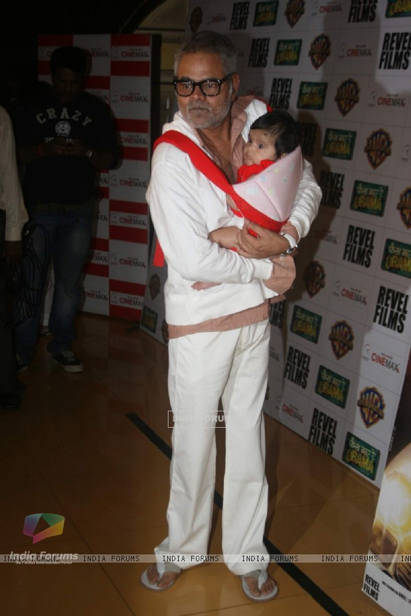 Sanjay Mishra at Phas Gaye Re Obama premiere at Cinemax. .