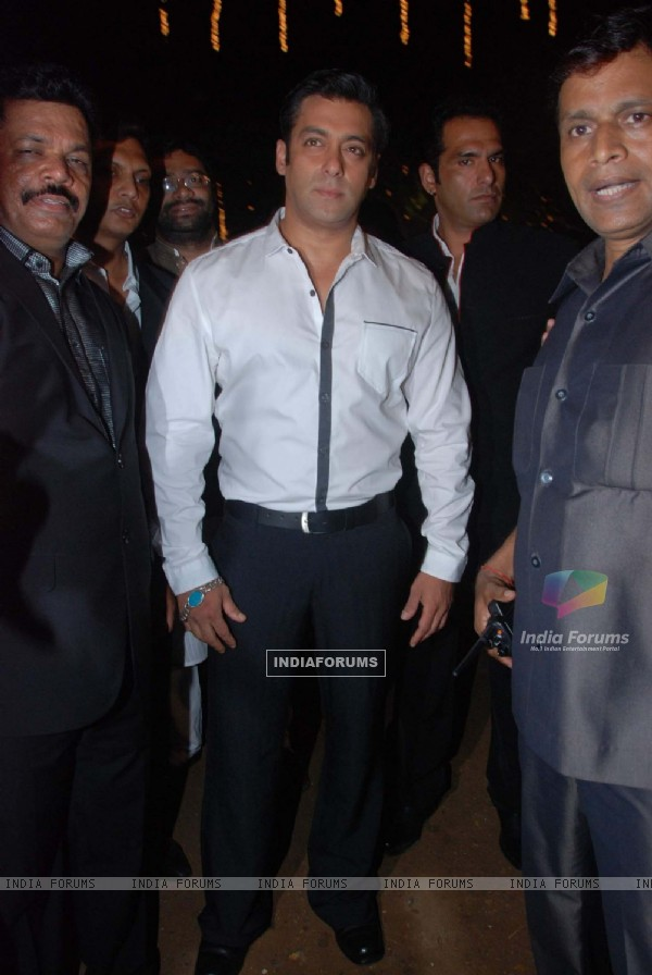 Salman Khan at Nitish Rane's wedding reception at Mahalxmi Race Course. .