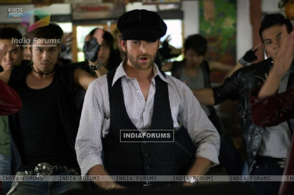 Neil Nitin Mukesh looking smart in black (11153)