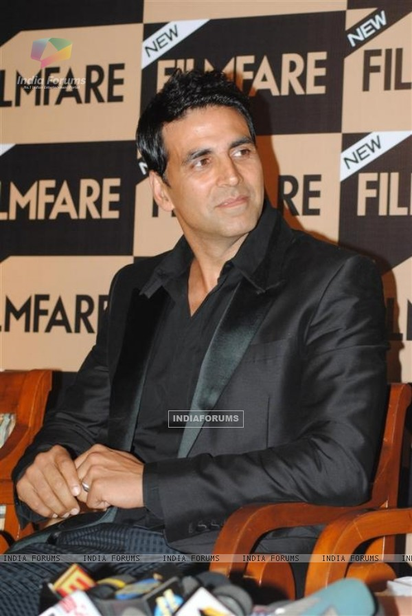 Akshay Kumar unveil Special Anniversay Issue 2010 of Filmfare Magazine at Enigma in Hotel JW Marriott in Juhu, Mumbai