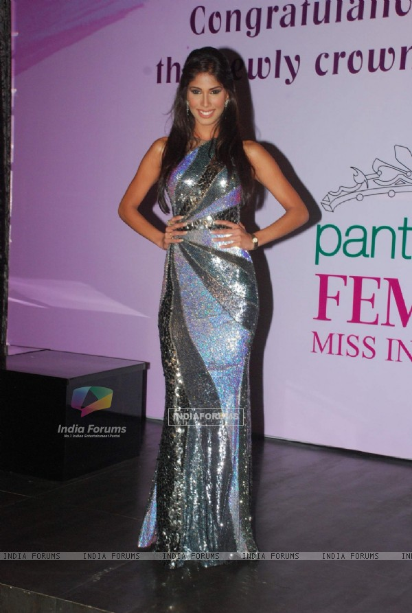 Miss Earth Nicole Faria welcome bash at Atria Mall. .