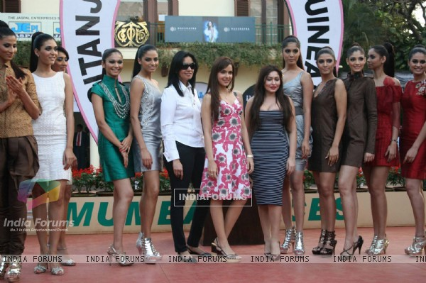 Models at Gitanjai race. .