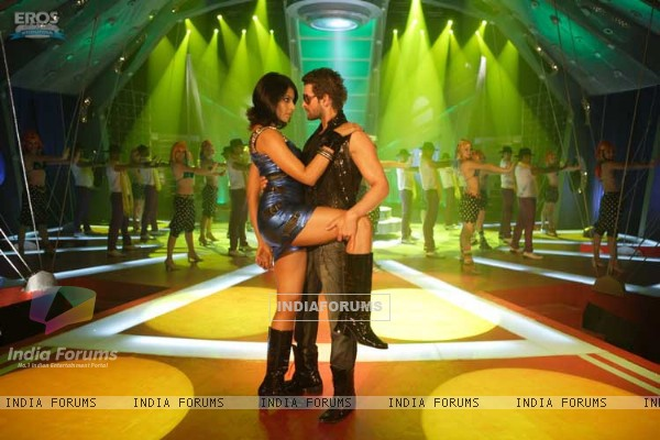 Sexy scene of Neil and Bipasha (11229)