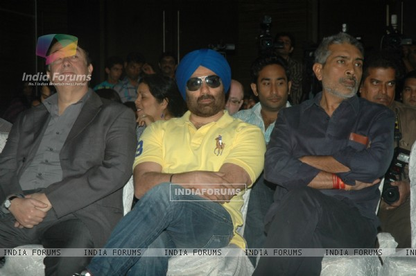 Sunny Deol, Prakash Jha and Randhir Kapoor at Stella Adler Studio launch at Novotel. .