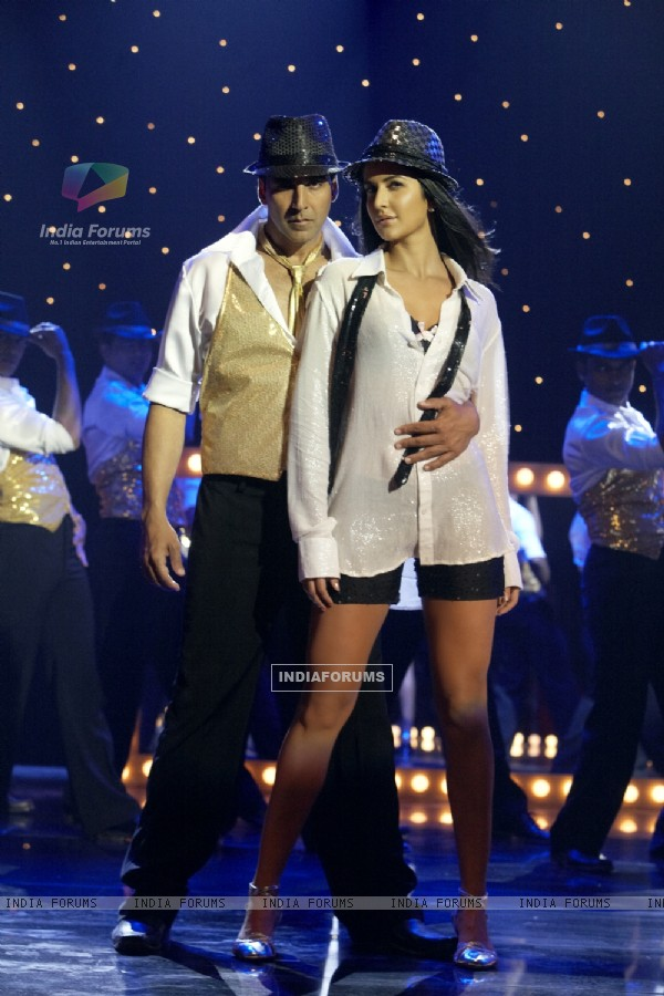 Akshay and Katrina in the movie Tees Maar Khan (112401)