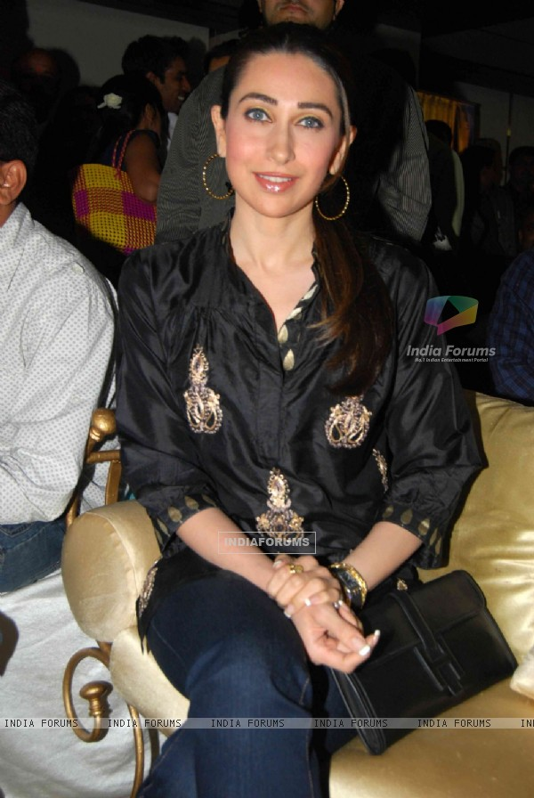 Karishma Kapoor launches Square mobile amidst chaos at Time N Again