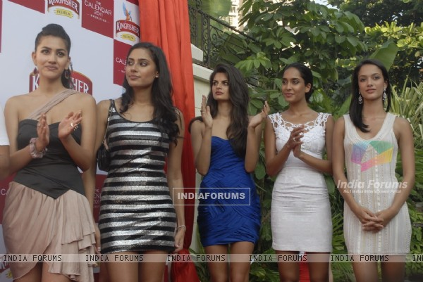 Models at Kingfisher Calendar Launch 2011