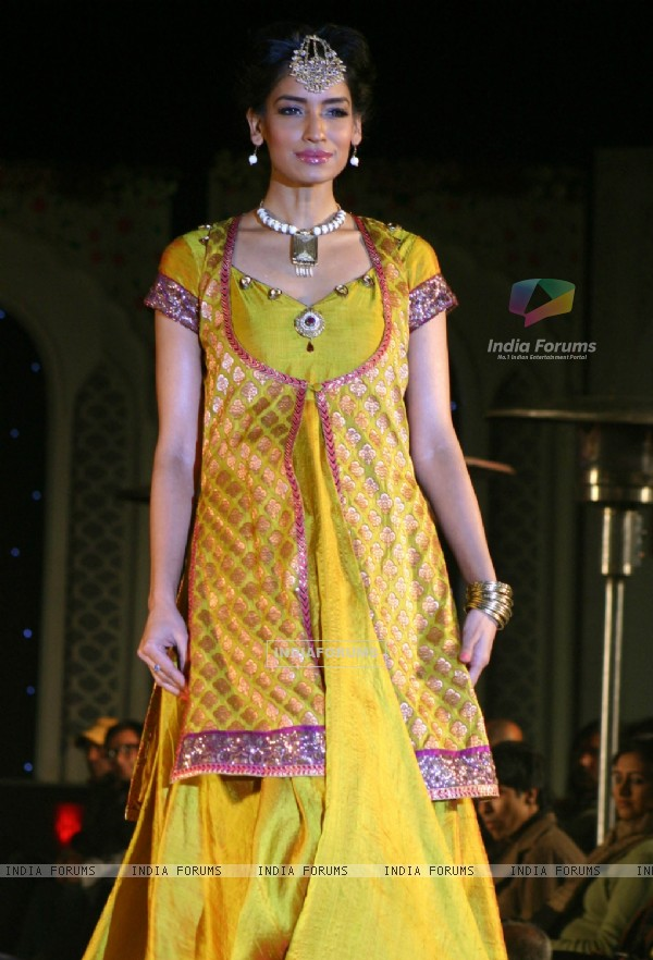 model showcasing collection by Maghna Rai Medhi at the National ...
