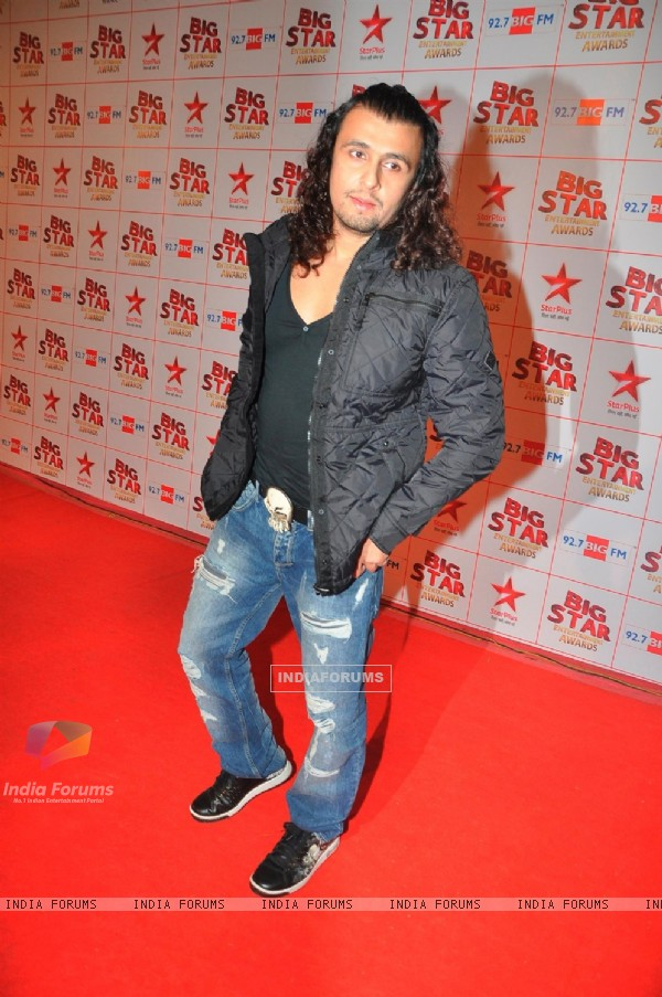Sonu Nigam at the Big Star Entertainment Awards held at Bhavans College Grounds in Andheri, Mumbai