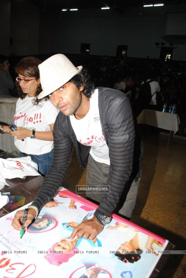 Purab Kohli at Promotion of movie ''Turning 30!!!'' at IIT Powai ,Mumbai
