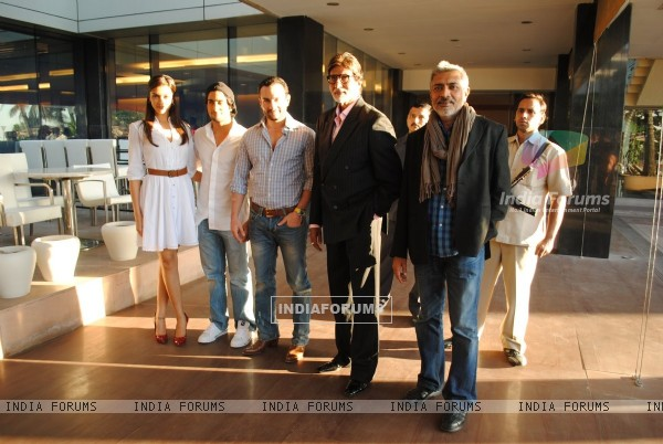 Cast and Crew at Press Conf. for the Prakash Jha's upcoming movie ''Aarakashan'' at Novatel, Mumbai