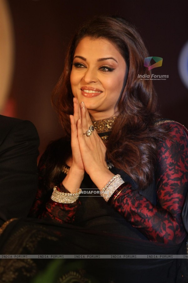 Aishwarya Rai Bachchan during an World bunts sports meet of 2010 in Mumbai