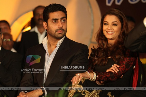 Abhishek Bachchan and Aishwarya Rai Bachchan during an World bunts sports meet of 2010 in Mumbai