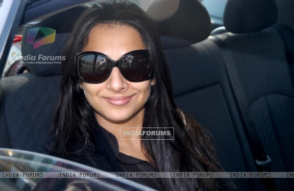 Vidya Balan arrives at NSCBI Airport for her upcoming film 'No One Killed Jessica' in Kolkata on Monday. .