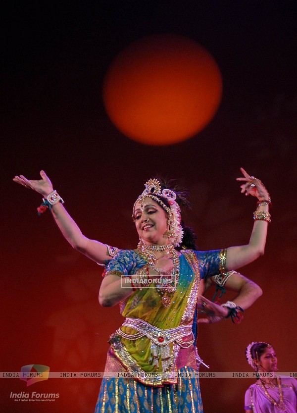 Hema Malini perform in Kolkata on Sunday late evening. .