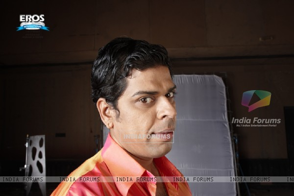 Murli Sharma looking funny in One Two Three