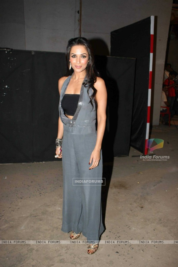 Malaika Arora on the sets of Jhalak Dikhla Jaa at Filmistan. .