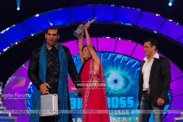 Shweta Tiwari wins Big Boss Season 4. .