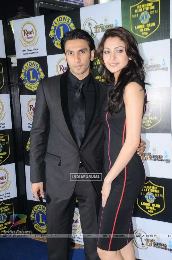 Anushka Sharma and Ranveer Singh at 17th Lions Gold Awards