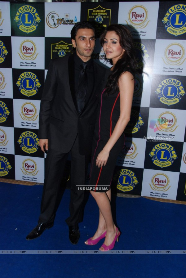 Anushka Sharma and Ranveer Singh in 'Lions Gold Awards'  at Bhaidas Hall. .