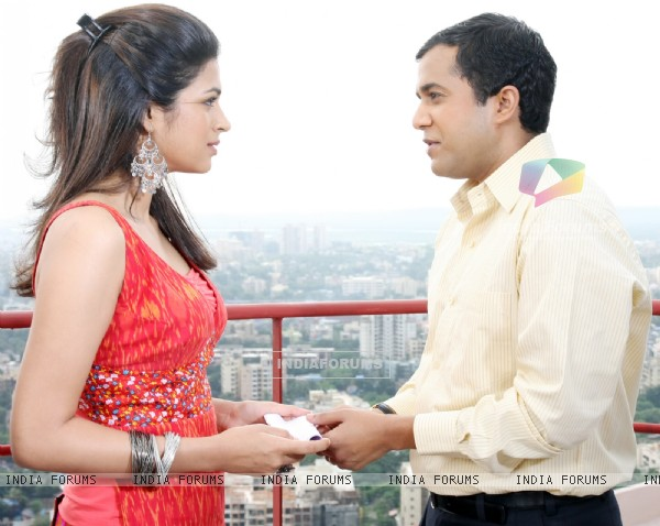 Omi Vaidya and Shraddha Das in Dil Toh Baccha Hai Ji movie