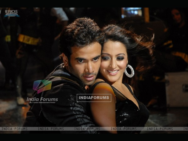 Lovable scene of Tusshar and Raima