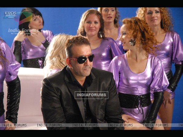 Sanjay Dutt sitting with beautiful ladies