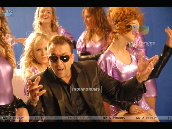 Sanjay Dutt enjoying the party
