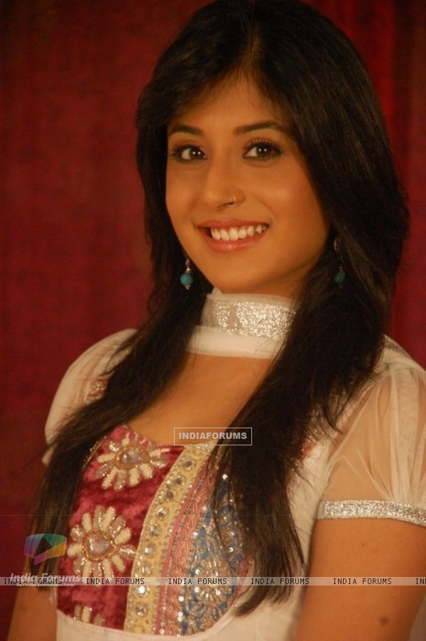 Kritika Kamra as Arohi