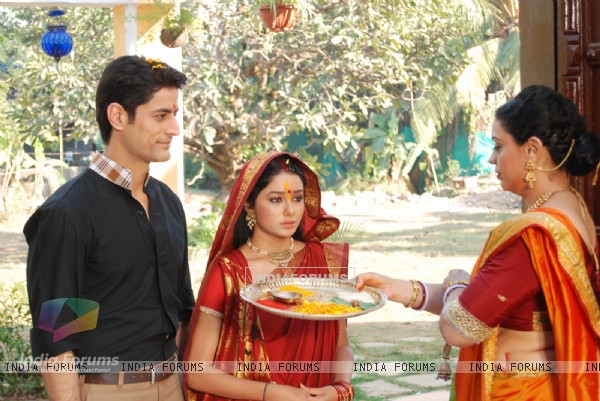 Still scene from tv show Ganga Kii Dheej