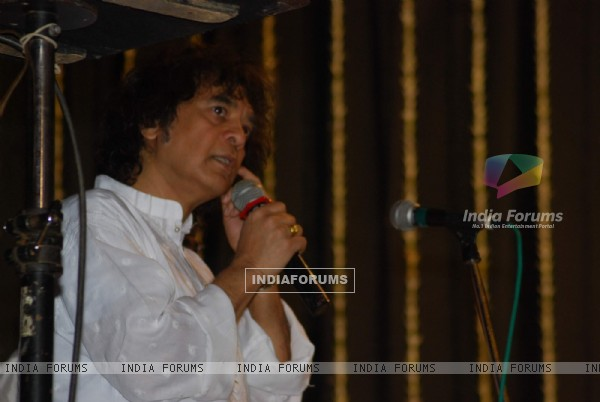 Zakir Hussain at Purshottam Jalota prayer meet at KC College. .