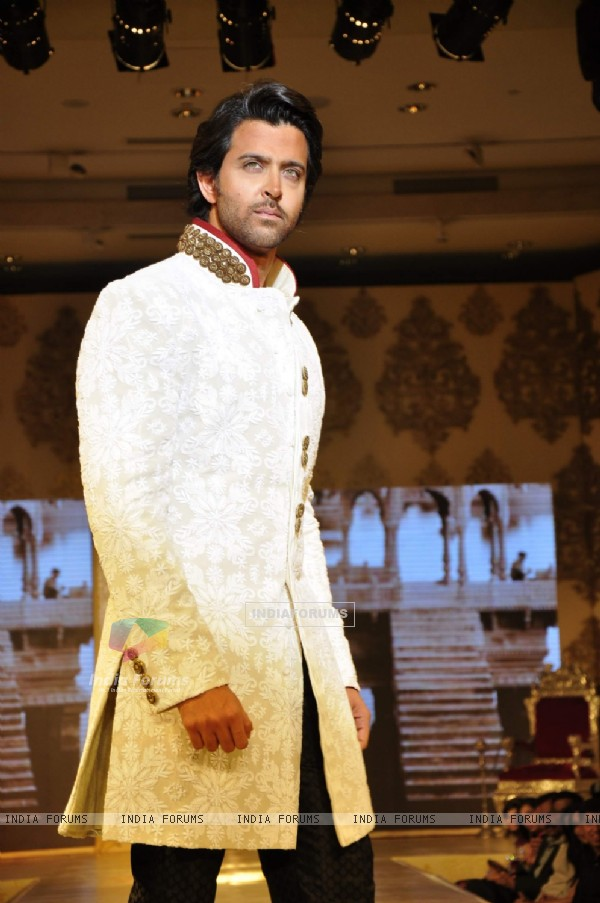 Hrithik Roshan walk the ramp at Mizwan Show. .