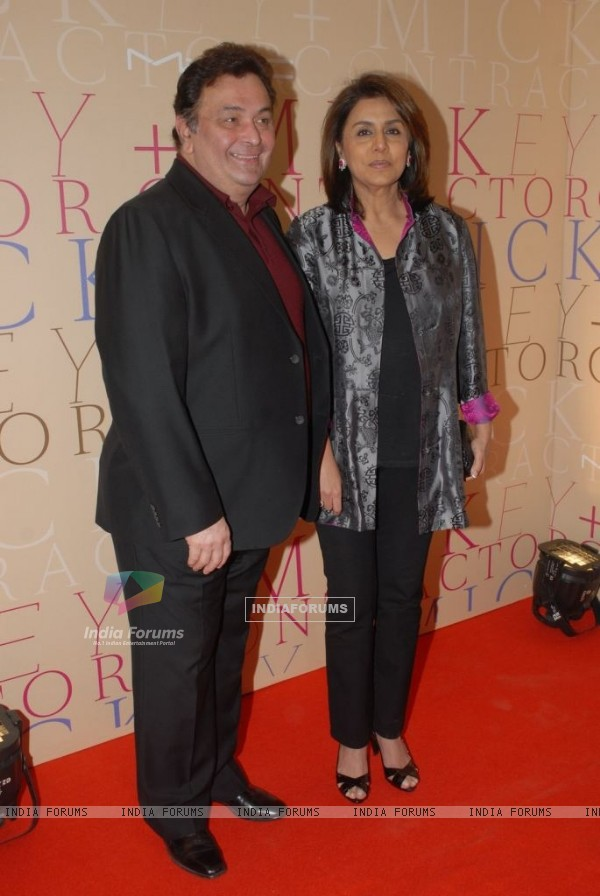 Rishi Kapoor and Neetu at MAC bash hosted by Mickey Contractor