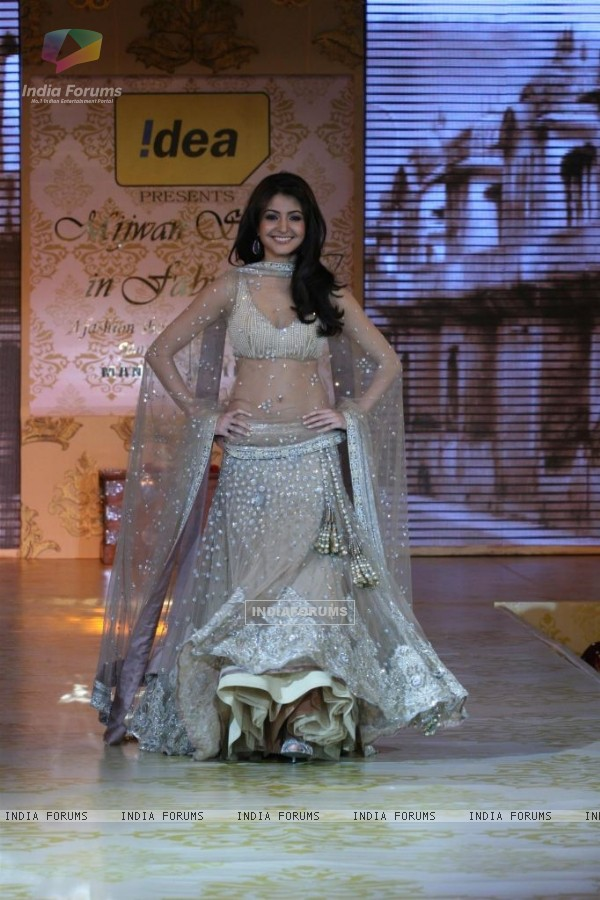 Anushka Sharma ramp walk HQ